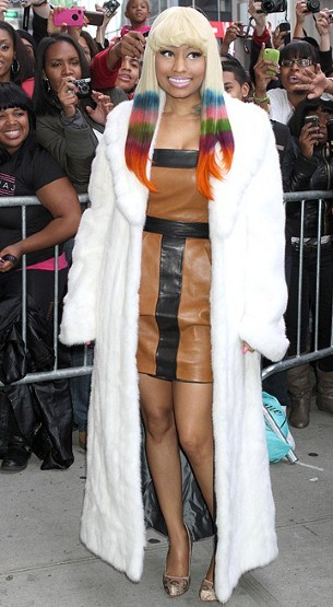 Take note to Nicki's dip-dyed hair, for her Mac Pink Friday lipstick launch