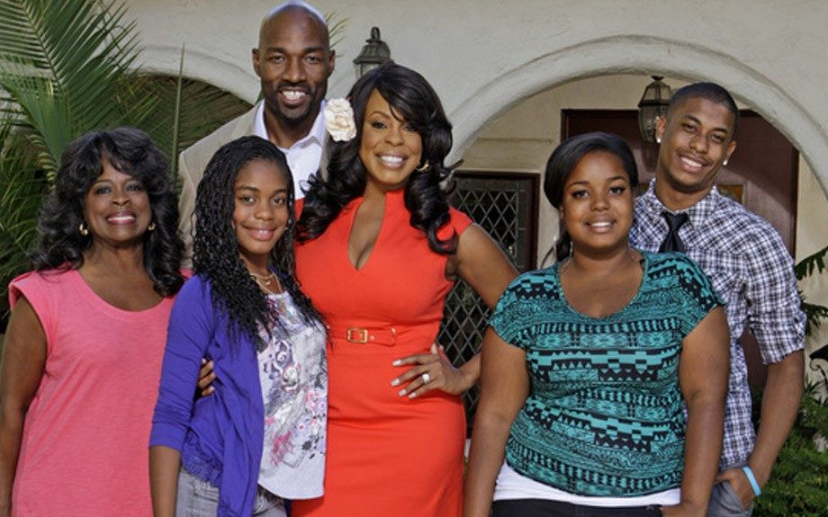Leave It to Niecy: Actress and Comedian Niecy Nash and her folks smile big for the camera