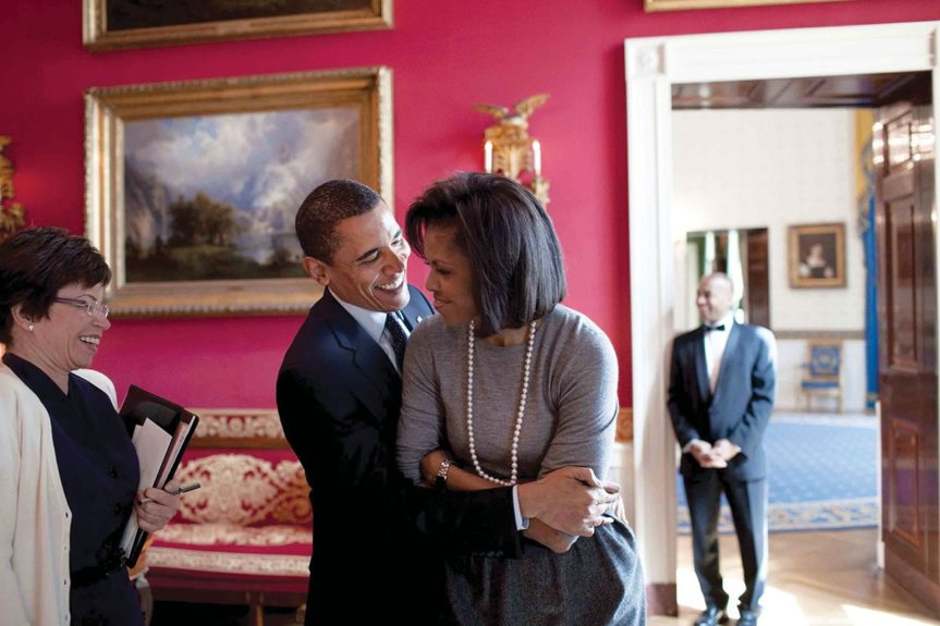 <p> 2009: PDA in the White House Red Room</p>
