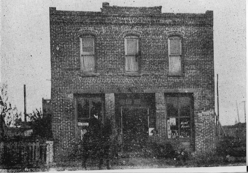 <strong>The O.W. Gurley Hotel</strong> was one of the finest hotels in Tulsa, Oklahoma. Built by O.W. Gurley, Dr. W.E.B. Du Bois stayed there when he visited in 1921, before the deadly riots.
