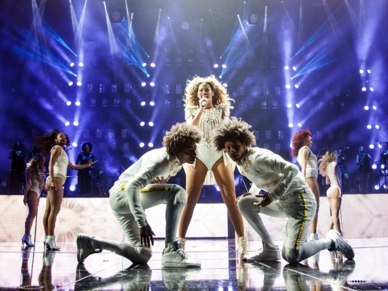 "<p class=""MsoNormal""> 	Beyoncé performed with the only male members of her crew, Dallas dance duo Les Twins.<o:p></o:p>"