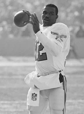 <p> 	<strong>1989</strong></p> <p> 	Randall Cunningham kicked a 91-yard punt that, at the time, was the longest punt by a QB in NFL history.</p>