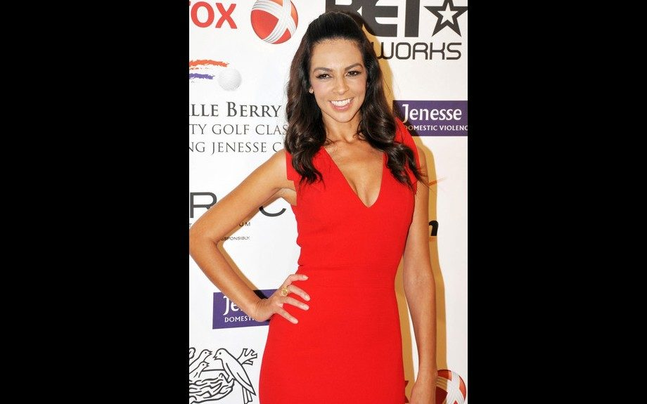 Terri Seymour played it simple in a form-fitting red dress