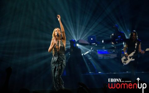 Rihanna Brings Her 'Diamonds' to Barclays in Brooklyn [PHOTOS]