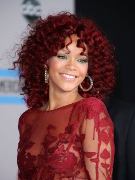 <strong>Rock voluminous curls:</strong> Use foam curling rods to create the defined 's' shapes.