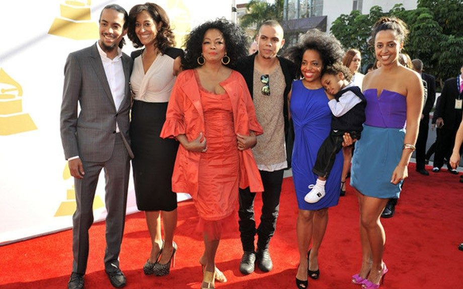 Diana Ross and her children take a family portrait at the 54th Annual Grammys