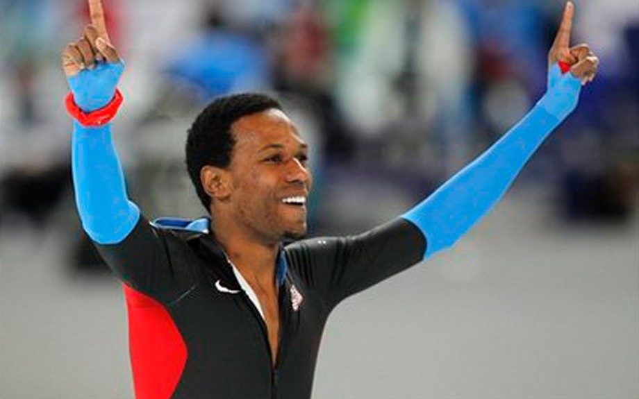 Shani Davis Davis holds a gold Olympic medal for the 2006 Olympic Games in Italy for the 1000m speed skating event. He was the first African American athlete to take home an individual title in this event