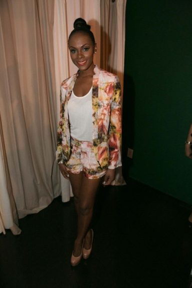 Tika Sumpter is such a clothes hanger; everything looks great on her, and at the screening event hosted by OWN Network at Bar One in Atlanta, she slipped on an Haute Hippie Dropped Lapel Blazer and matching shorts. Photo Credit: Instagram