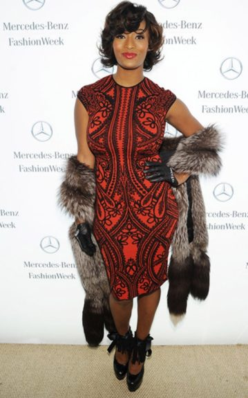 Toccara Jones is known for being America's Next Top Model's most extravagant plus-size model so it comes as no surprise that she'd stand out Hollywood glamour style during Mercedes Benz Fashion Week in a chic print bodycon dress and wrapped in a fur stole