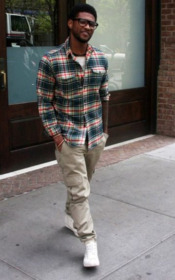 Usher's statement piece of the day was his pair of black frame oversized spec's.