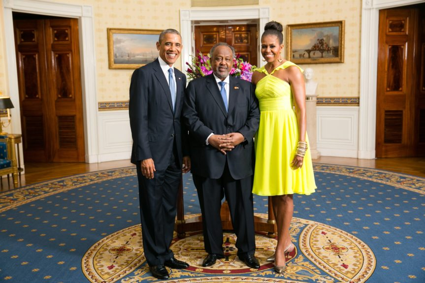 President Barack Obama and First Lady Michelle Obama greet His Excellency Ismail Omar Guelleh, President of the Republic of Djibouti(Photo: AmandaLucidon/The White House)
