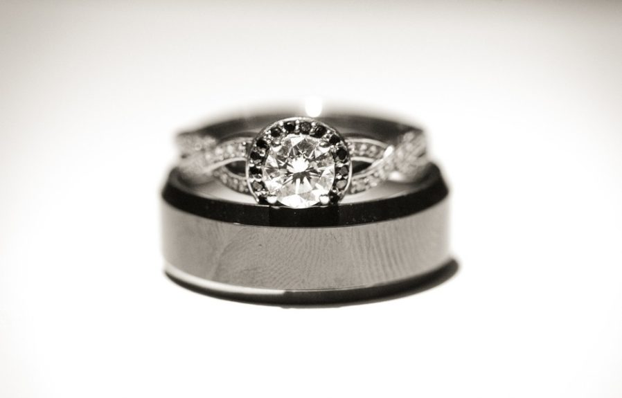 The bride Lachelle Robinson and groom Larry Sessons' wedding bands