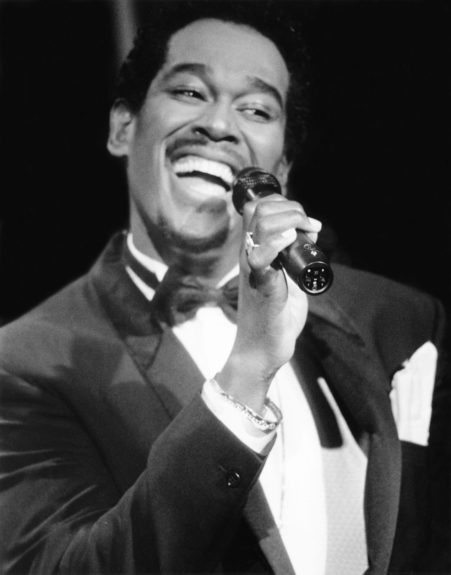 Singer Luther Vandross delights fans with his soulful sound. (Herbert Nipson/EBONY Collection)