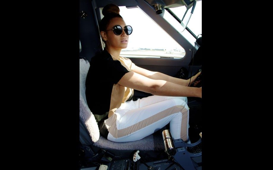 "Beyoncé ""flew"" on Tumblr in her Linda Farrow x The Row sunshades and color block pants. Photo Credit: Beyonce's Tumblr"
