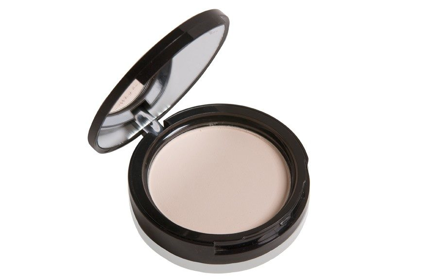 """Too Faced Absolutely Invisible Translucent Pressed Powder ($27.00,<a href=""""http://www.sephora.com"""" target=""""_blank"""">http://www.sephora.com</a>)"""