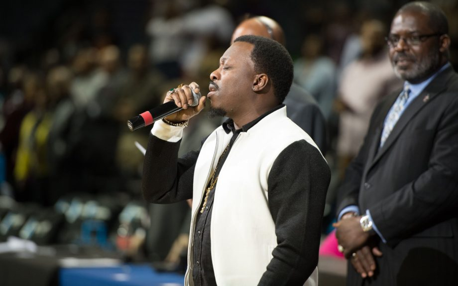 <p> Charlotte's own Anthony Hamilton performing The Star-Spangled Banner</p>