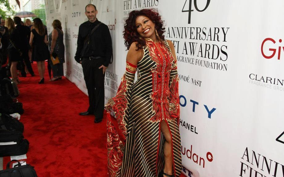 The legendary Chaka Kahn gives body and face at the Annual FiFi Awards. Does Black crack? Do you have to ask?