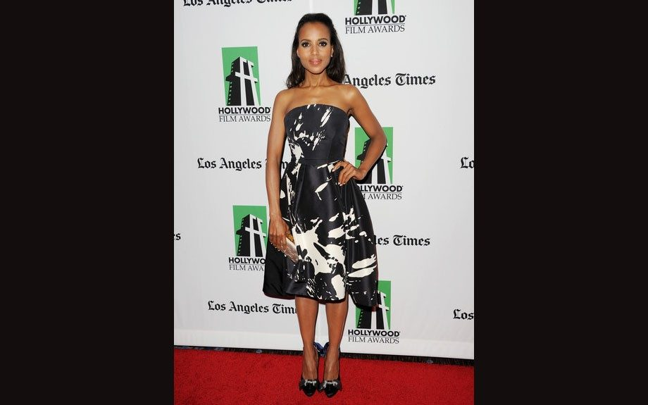 Kerry Washington graced the 16th Annual Hollywood Film Awards Gala in a black and white strapless Monique Lhuillier's Spring 2012 collection dress.