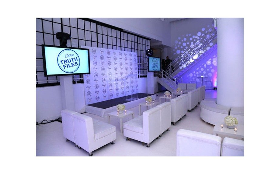 Dove took over 404 NYC for a swanky cocktail hour. Photo Courtesy of Getty Images