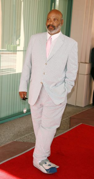 A dapper James Avery (even with a foot injury) poses on the red carpet.