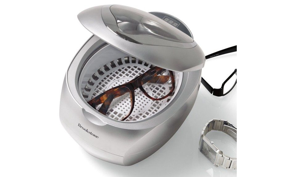 Just sparkling, clean jewelry...in no time ($50; brookstone.com)
