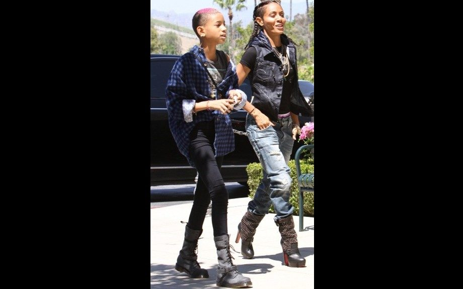 Mom and daughter duo, Jada and Willow Smith went for a stroll in style- Willow in combat boots and Jada in Christian Louboutin Marisa studded platform boots. Chck out Willow's new pink 'do!