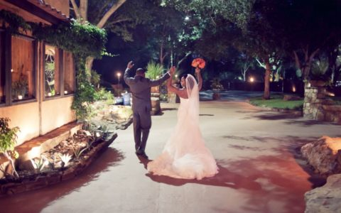 Black Wedding Style: Scenic Beauty in Texas