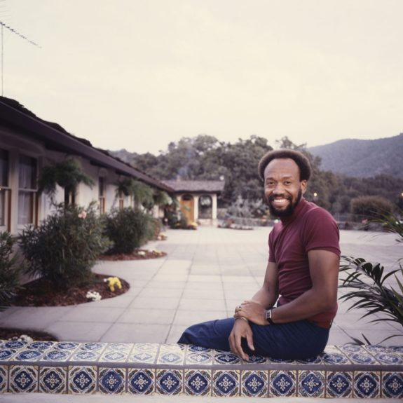 <p> 	Maurice White at his home in Carmel Valley in 1977 (Photo: Vandell Cobb/EBONY Collection)</p>