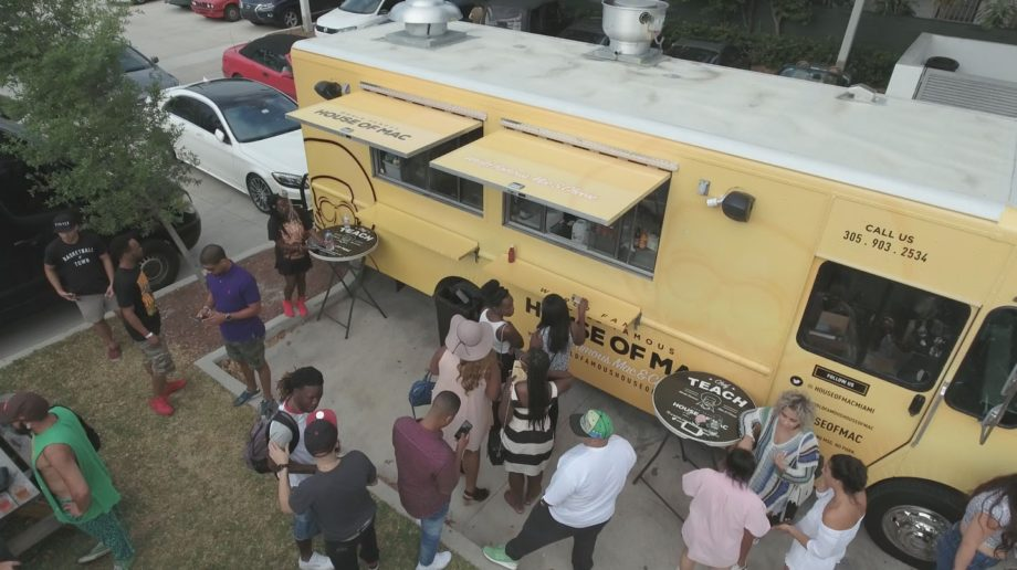 <p> 	The World Famous House Of Mac Food Truck (Photo: World Famous House Of Mac/Conceptual Reality Media)</p>