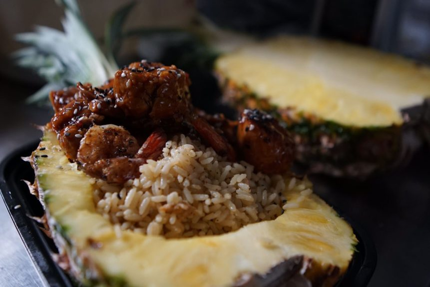 <p> 	Thai Chicken & Shrimp with Pineapple Coconut Rice (Photo: World Famous House Of Mac/Conceptual Reality Media)</p>