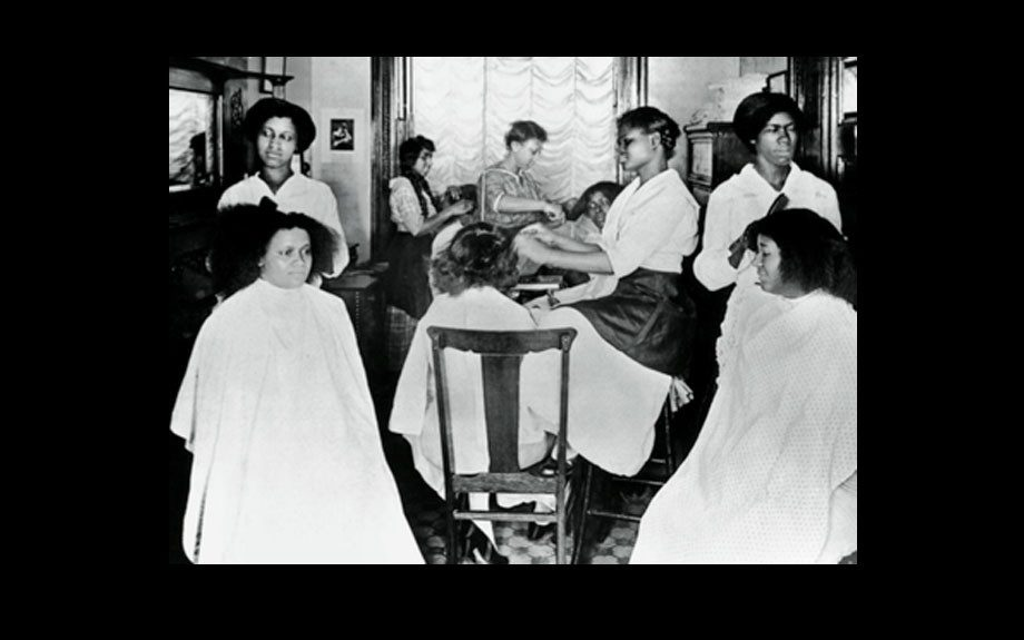 "New York branch of Lelia College (Madame C.J. Walker founded the college in Pittsburgh in 1908 to train African American as ""hair culturist"", expanding to branches nationwide) - Museum of the City of New York, The Byron Collection."