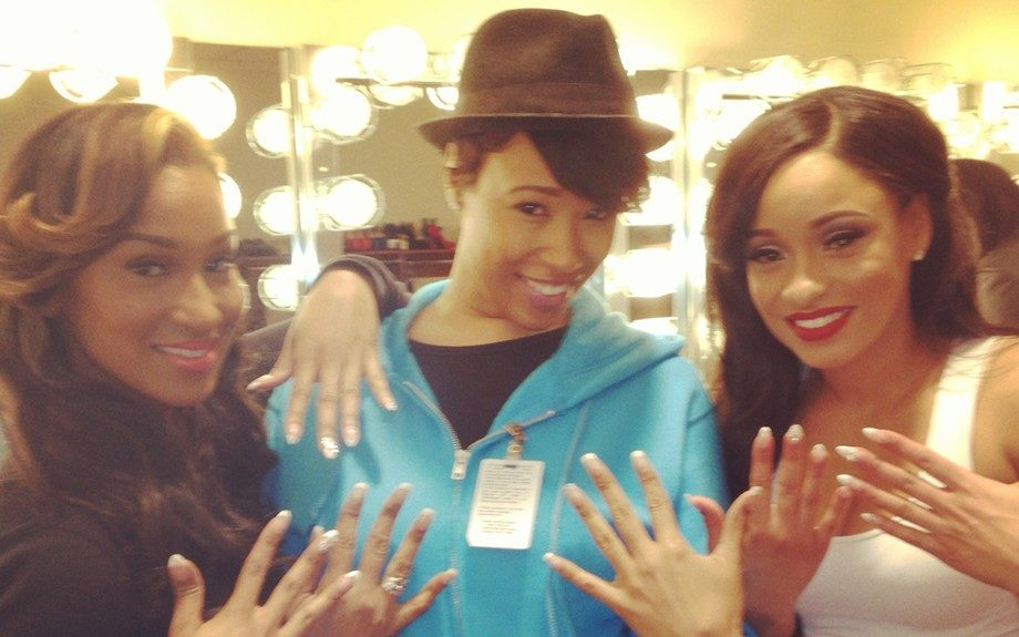 D on set with <em>Love and Hip Hop</em><em>'s</em> Olivia and Tahiry showing off their Treasure Nails.