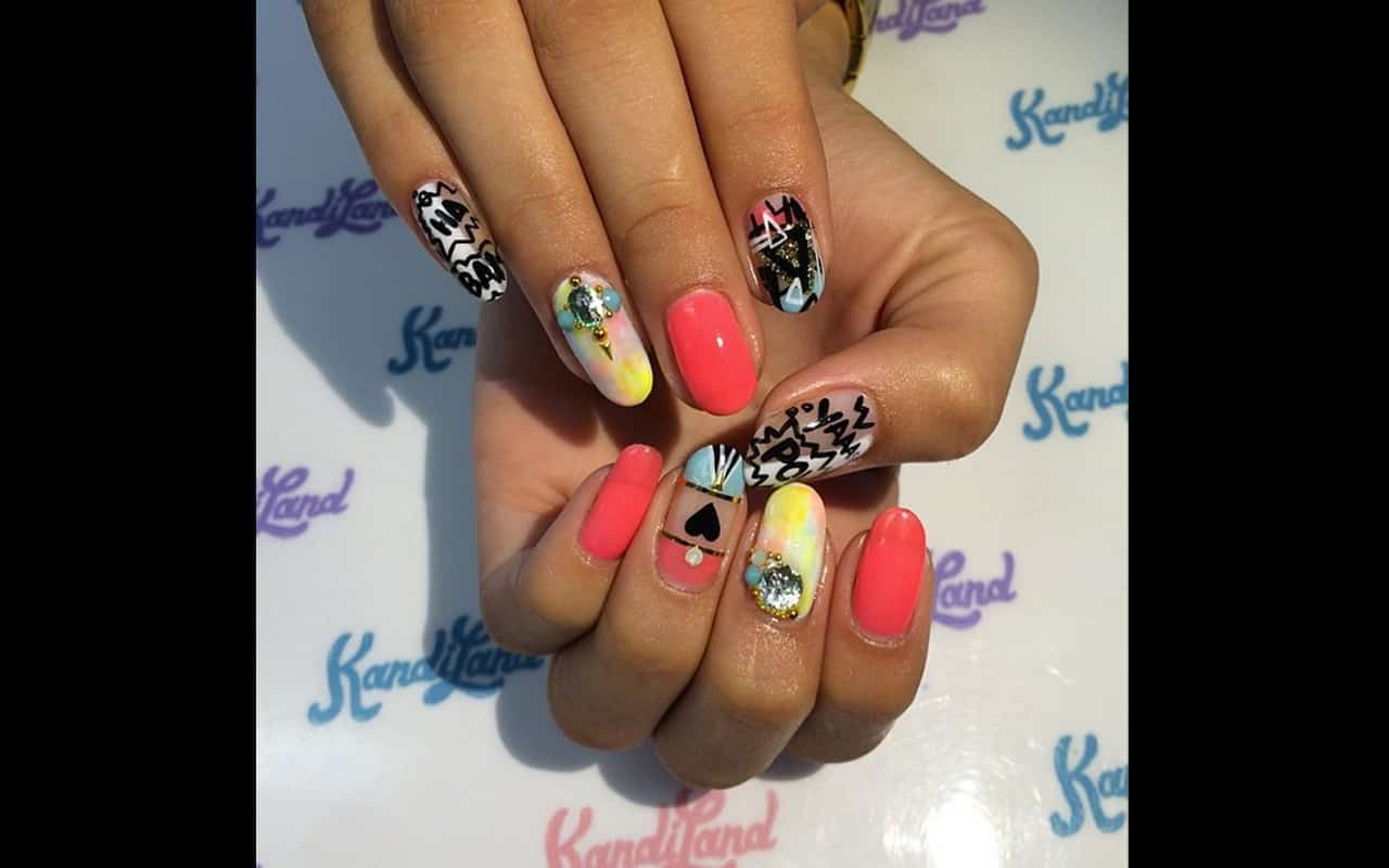 NAILS OF THE WEEK] Make this Design Your Last Fun Mani Before Fall ...