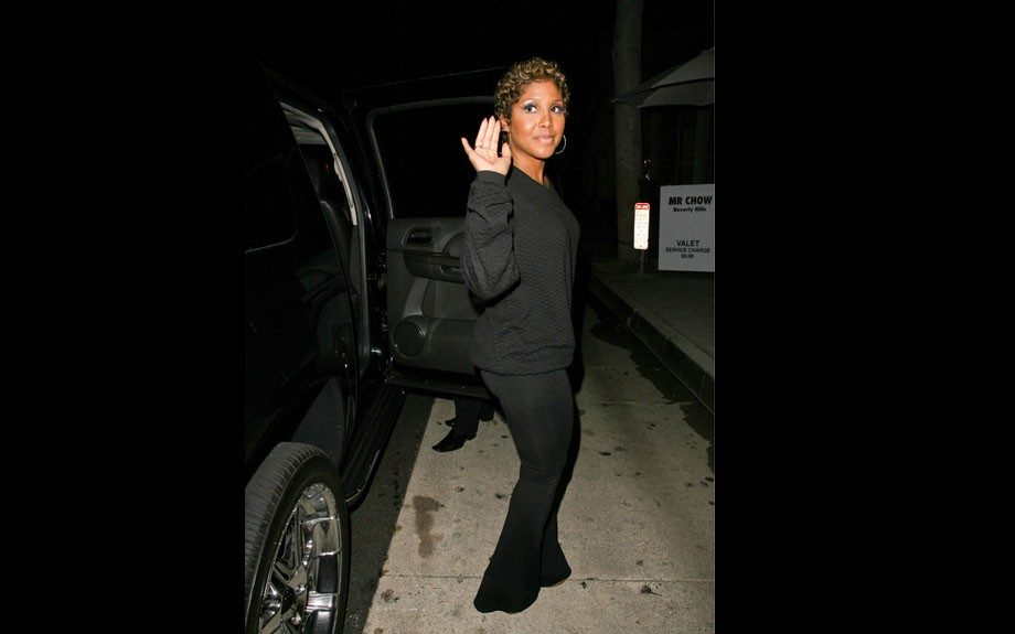 """<p class=""""p1""""> <span class=""""s1"""">Toni Braxton has dinner at Mr Chow restaurant in Beverly Hills.</span>"""