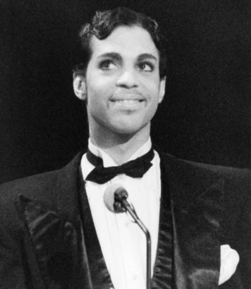 <p> Prince addressing the audience at the American Music Awards in 1986 (AP Photo/Nick Ut)</p>