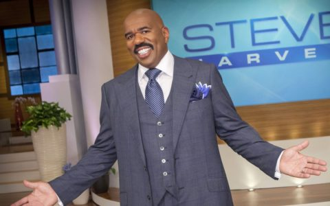 Steve Harvey Acts and Thinks 'Successful' [NEW BOOKS]