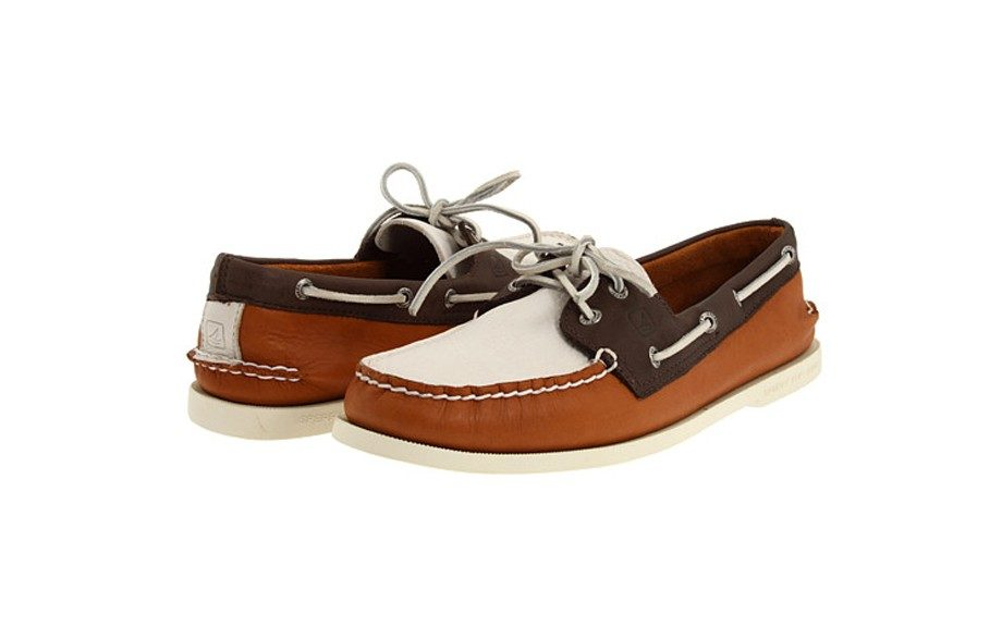 SPERRY TOP SIDER A/0 2 EYE Retail $80  Available at Zappos.com