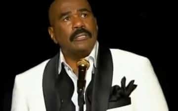 Steve Harvey Breaks Down at Final Stand-Up Performance