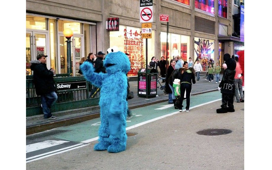 Cookie Monster arrested for pushing 2-year-old in Times Square