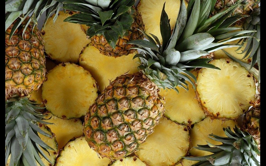 1500 pounds of pineapples fall on New Jersey warehouse worker