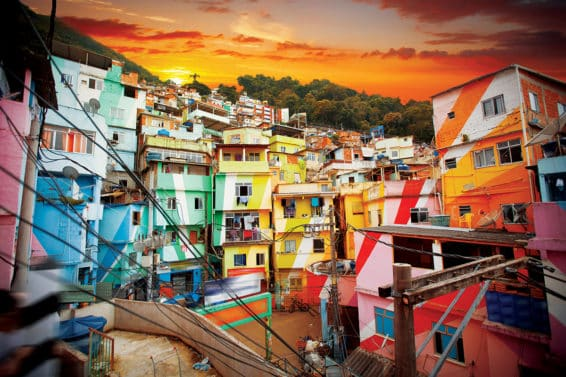 G2XX5P Rio de Janeiro downtown and favela. Brazil