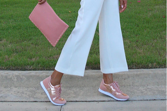 5 Fashionable Shoes To Speed Walk To Work In