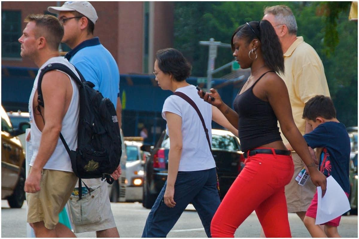 Texting, Walking, Distraction, Smartphone