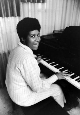 Aretha Franklin, EBONY magazine, playing piano