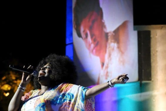 Aretha Franklin, Aretha Franklin memorial, tribute, Detroit, angie stone