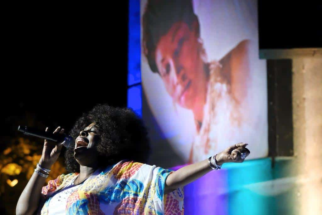 Aretha Franklin, Aretha Franklin memorial, tribute, Detroit, angie stone