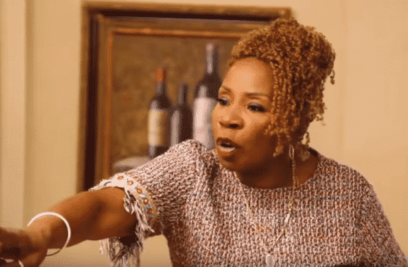 Iyanla Vanzant Storms Out on The Braxtons During Therapy Session (VIDEO)