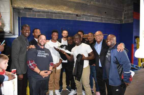 Steph Curry Helps Raise $28K for Obama's My Brother's Keeper Alliance