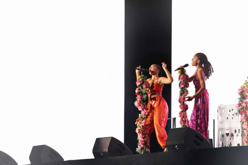 NEW ORLEANS - SEPTEMBER 13: Chloe x Halle perform on the 'On The Run II' tour at Mrecedes Benz Superdome on September 13, 2018 in New Orleans, Louisiana. (Photo by Andrew White/Parkwood/PictureGroup)