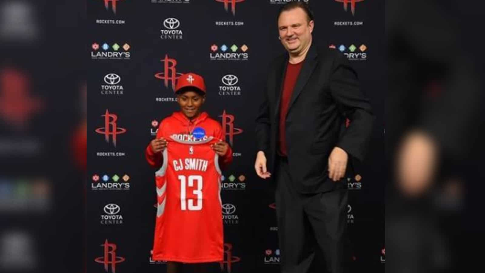Houston Rockets Sign Make-A-Wish Child to One-game Contract